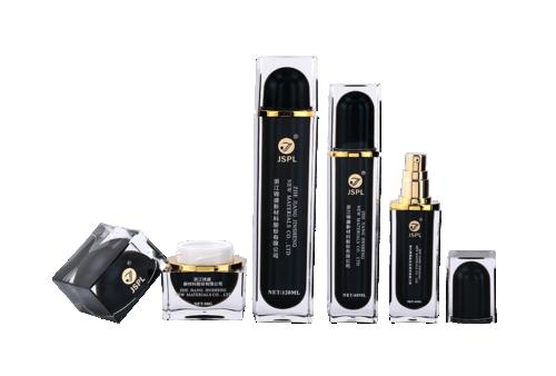 Serie de botellas de acrílico cosmético cuadrado negro